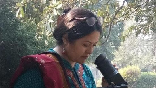 Renu Negi began with the making of small videos of Himachal folk dances which were telecast on a royalty basis on Doordarshan, Delhi. Later, she started producing documentaries related to Himachal, Art and Culture as well as health issues in 1997. (HT PHOTO)