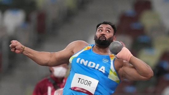 Tokyo: India's Tajinderpal Toor competes in qualifications for the men's shot put event at the 2020 Summer Olympics, in Tokyo, Tuesday, August 3, 2021. (PTI Photo/Gurinder Osan)(PTI08_03_2021_000237A)(PTI)