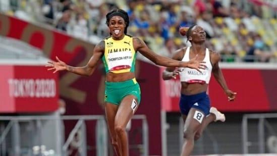 Tokyo 2020: Jamaica's Elaine Thompson-Herah wins 200m to seal Olympic double.(AP)