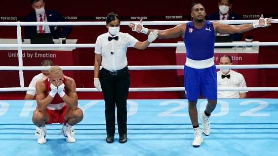 Olympics: Cuba master Britain again for Tokyo boxing gold(AP)