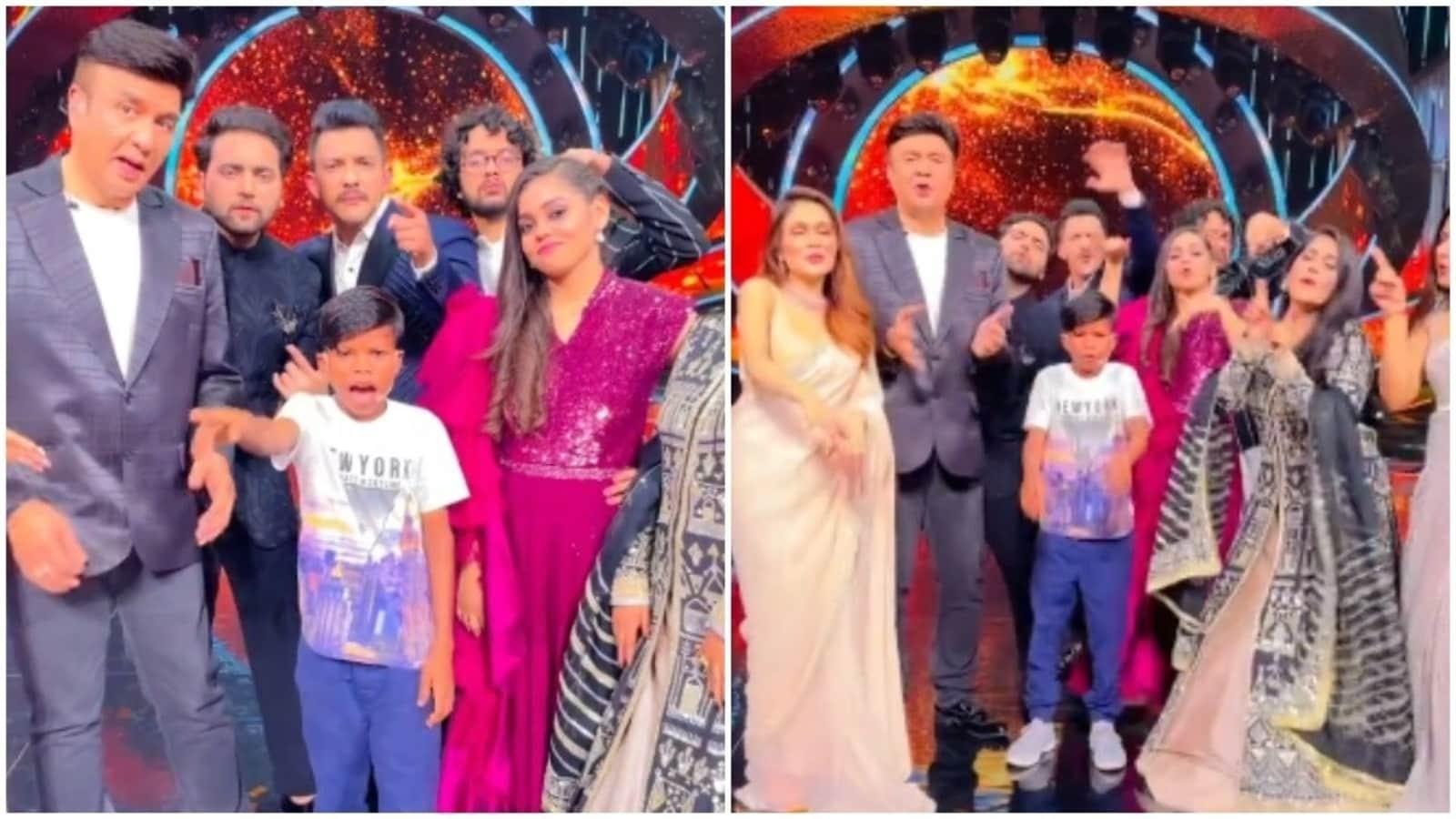 Bachpan Ka Pyaar boy performs on Indian Idol 12, Aditya Narayan-Anu Malik and contestants groove to song. Watch - Hindustan Times