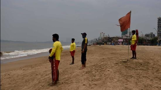 An elevated walkway is being constructed along Versova Beach and it set to be completed in the next three to four months. (HT FILE)
