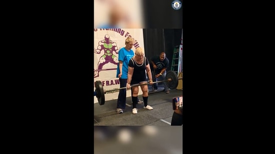The image shows powerlifter Edith Murway-Traina.(Instagram/@guinnessworldrecords)