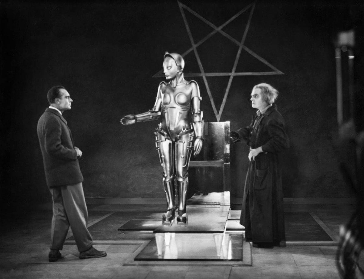 Don't hate Maria from Metropolis. Blame the men who were so entranced that they were willing to leave their jobs and families for her. (UFA)