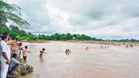 Indo-Tibetan Border Police (ITBP) conducts a rescue operation at a flood-affected area, in Shivpuri, Madhya Pradesh on August 4. (ANI)
