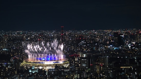 Tokyo 2020: Japan's PM thanks people for safe Olympics during pandemic(Bloomberg)