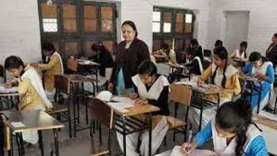 There are over 2,200 SMC teachers posted in various parts of Himachal Pradesh.(Representative image)
