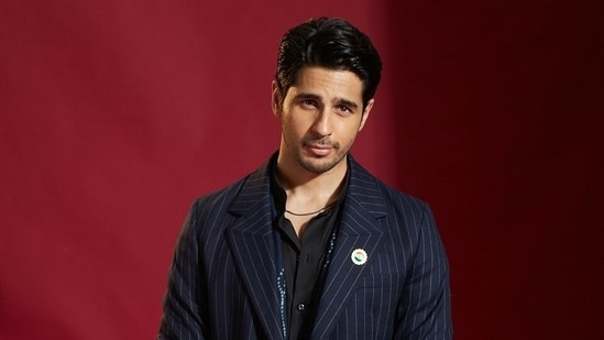 Sidharth Malhotra eventually made his debut with Student of the Year,