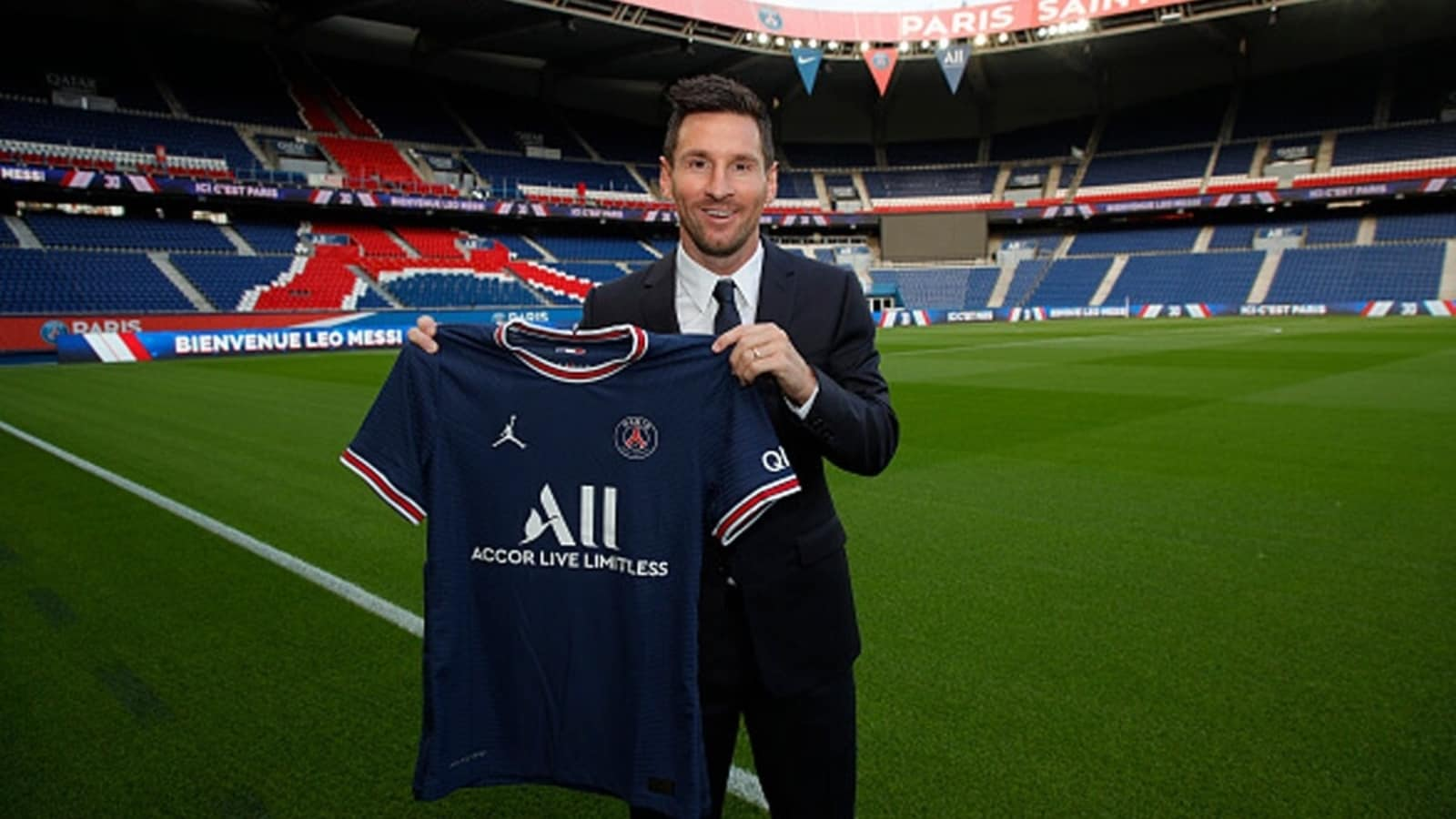 Lionel Messi joins Paris Saint-Germain on two-year deal after Barcelona exit | Football News - Hindustan Times