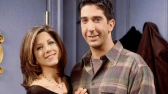 Friends stars Jennifer Aniston and David Schwimmer are rumoured to be dating