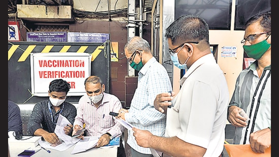 On Sunday, chief minister Uddhav Thackeray announced opening up of local trains for fully vaccinated citizens from August 15. (Satish Bate/HT PHOTO)