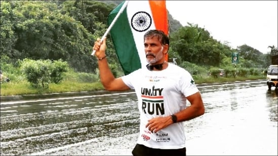 Milind Soman marks 75th Independence Day with highway run after 8 months(Instagram/milindrunning)