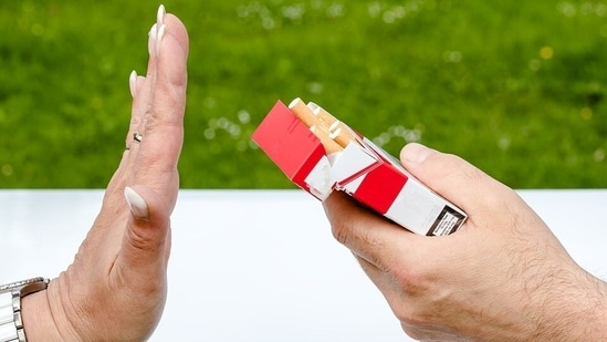 Say no to alcohol and smoking: Last but not the least, you should avoid tobacco and alcohol if you want your heart to be healthy in long term. The consumption of alcohol can increase your chances of getting a cardiovascular disease. The harmful toxins in cigarettes can damage the heart and blood vessels and can lead to heart attacks and strokes.(Pixabay)