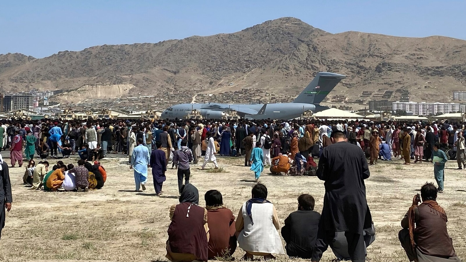 Afghan crisis: Satellite images reveal the chaos at Kabul airport | World News - Hindustan Times