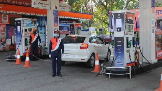 The price of petrol has remained unchanged since July 17.(HT File Photo)