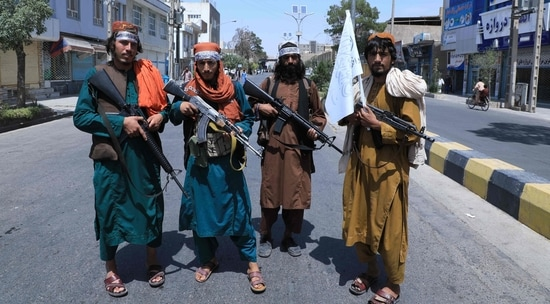 Afghans are trying to flee their country after the Taliban took over. (AFP Photo)