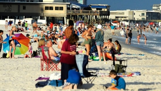 Florida's domestic tourism returns even as international market lags behind amid Covid-19(AP Photo/Jay Reeves)