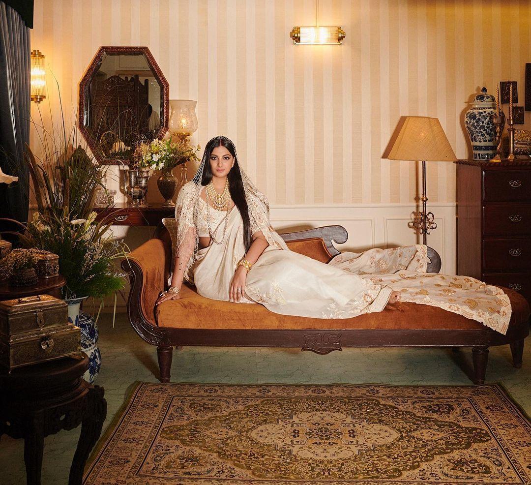 Best bridal lehenga hues for intimate weddings