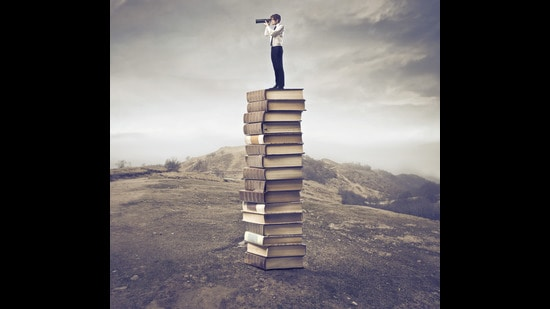 So much to read; so little time. (Shutterstock)