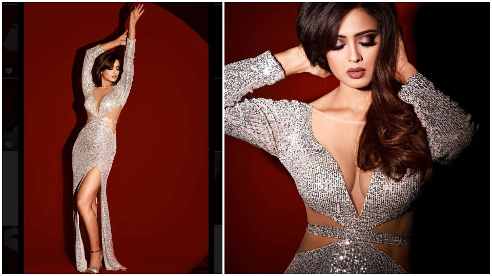 Shweta Tiwari in a sequinned gown.(Instagram/@shweta.tiwari)