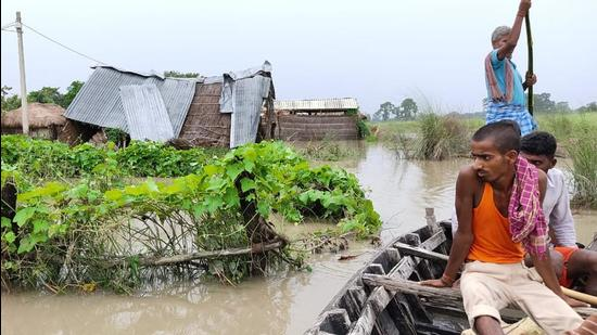 A flood-affected area in Bagaha subdivision of West Champaran district on Sunday. (HT PHOTO)