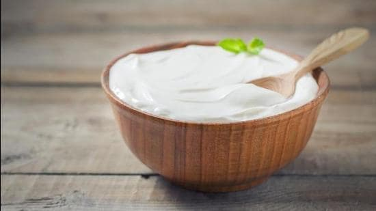 A powerhouse of probiotics, yogurt is one of the most crucial food items when it comes to improving gut health. (Photo: Shutterstock)
