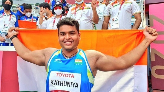 Have been training without a coach: discus throw silver-winner Kathuniya -  Hindustan Times