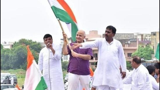 Deputy CM of Delhi Manish Sisodia at Tiranga Yatra in Agra on Sunday. (HT photo)