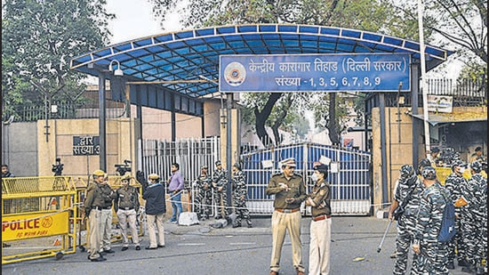 The gangster's family have named Tihar deputy superintendent Narendra Meena, three constables, and an assistant superintendent, in the FIR. (Biplov Bhuyan/HT Archive)