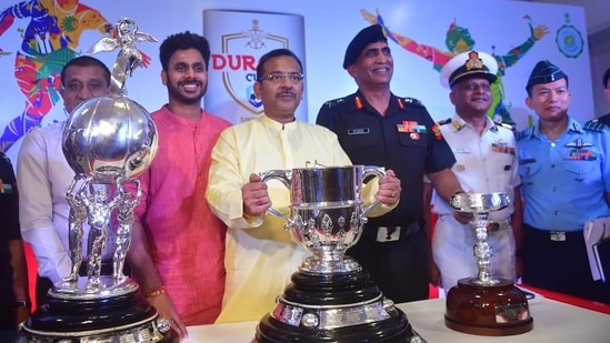 Mr. Subrata Biswas, Additional Chief Secretary, Dept of Youth Service and Sports, Govt. of West Bengal, Mr. Manoj Tiwari, Minister of State for Sports and Youth Affairs, Govt. of West Bengal, Shri Aroop Biswas, Hon'ble Minister, Dept of Power, Youth Service and Sports, Government of West Bengal, Lt General KK Repswal SM,VSM, Chief of Staff, HQ Eastern Command, Chairman, Durand Cup, Commodore Rituraj Sahu, Naval Officer in Charge (WBG), Gp Capt S Thukchum, Station Commander, Advance HQ EAC