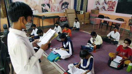 Over 19,000 teachers in government and private schools were to be vaccinated against Covid-19 in the district, of which everyone has at least received one dose, officials said. (Vipin Kumar/HT PHOTO)