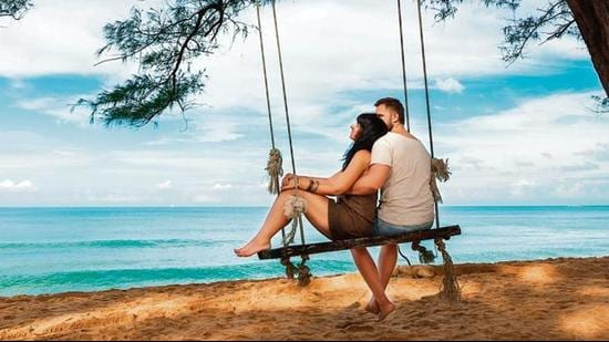 Amp up your romance by going on a couple's getaway to destinations that offer comfort, intimacy and a plethora of delightful experiences (Photos: Shutterstock)