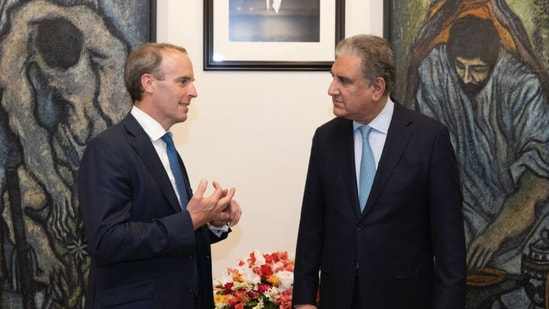 UK foreign secretary Dominic Raab with Pakistani counterpart SM Qureshi (https://twitter.com/DominicRaab)