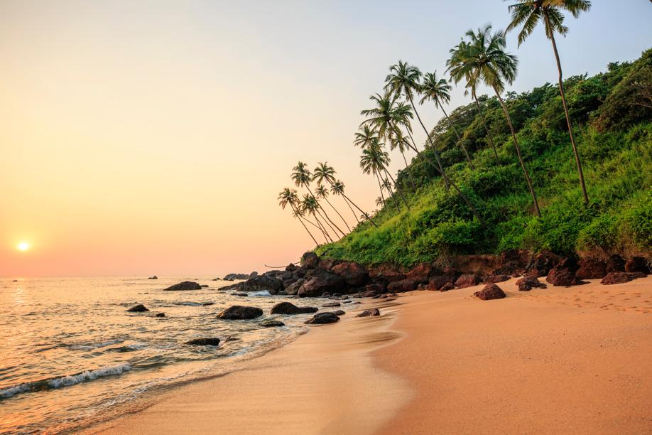Admire the blue water and take a walk hand in hand on miles of pristine beaches in Goa or Andaman and Nicobar Islands (Photo: Shutterstock)