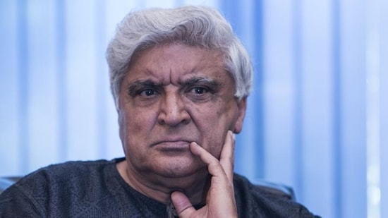 Several social media users also protested against Javed Akhtar's comments.(HT File Photo)
