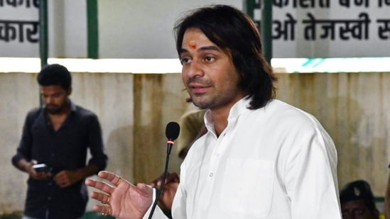 Tej Pratap Yadav was recently at loggerheads with his own party after he accused RJD's state unit president Jagdanand Singh of not allowing him to meet his younger brother Tejashwi Yadav.(File photo)