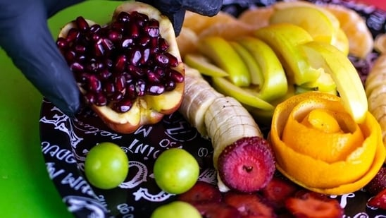 If you like your salad with a sweet twist, add apple slices, pomegranate pearls, pear, melons or pineapples. Even fresh onions add sweetness. Raisins are good too.(Pixabay)