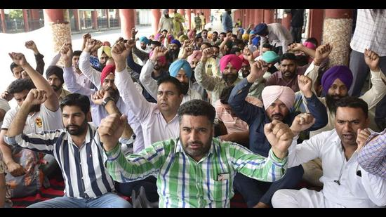 Around 200 buses from Ludhiana bus stand and 2,500 across the state will remain off the roads during the agitation. (HT Photo)
