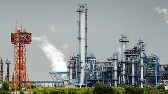 Can natural gas be a prime component in India's energy mix? Examining its relevance both through the lens of competitive economic viability as well as other impacts(HT ARCHIVES)