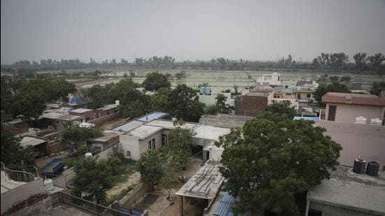 A total of 70 villages in the urban extensions of the national capital will benefit from the policy once it is approved. (Sanchit Khanna/HT PHOTO)