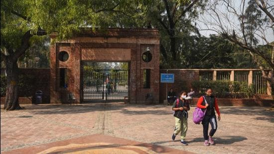 The Delhi Disaster Management Authority on August 30 issued the standard operating procedure (SOP) for reopening of schools, colleges, and other educational institutes (Amal KS/HT Archive)