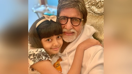 Amitabh Bachchan poses with his granddaughter Aaradhya.
