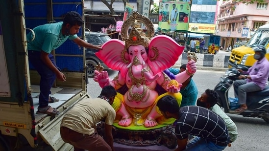 BBMP capped the height of the idol to be erected in public places at 4ft and in houses at 2ft.(PTI)