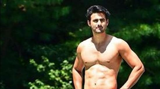 Actor Freddy Daruwala has been a fitness enthusiast and was recently in Kashmir for a shoot where he did a stunt on a bridge.