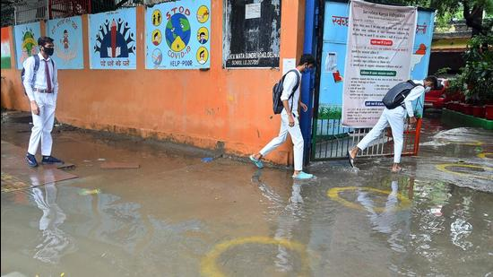 Schools in the national capital were allowed to open from September 1.(Raj K Raj/HT file photo)