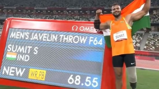 Sumit Antil sets a World Record at Tokyo Paralympics with a throw of 68.55m to clinch a gold medal(Twitter)