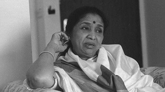 Asha Bhosle's marriage to Ganpatrao Bhosle ended in 1960.(Subhendu Ghosh/HT Photo)