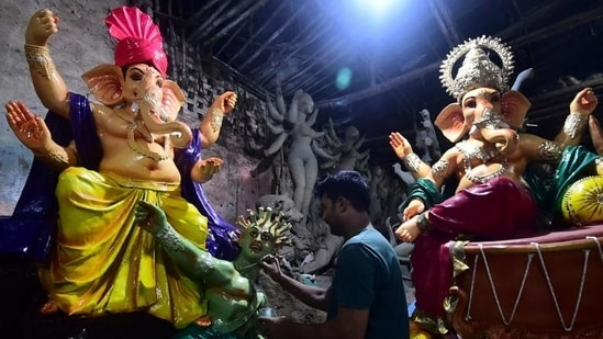 All district magistrates and the Delhi Police have been directed to ensure that no idol of Lord Ganesha is set up in tents, pandals or public places.(AFP file photo)