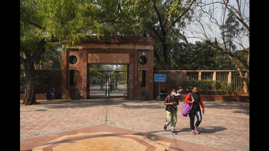 DU will reopen for final-year UG and PG students from September 15 for practical classes, lab work, and academic consultation (Amal KS/HT)