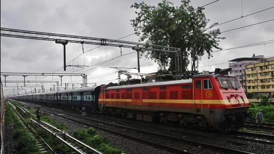 The high-speed train corridors that will connect Mumbai with Pune, Nagpur are aimed at boosting train traffic and reducing travel time. (HT Photo)